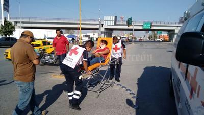 Los pasajeros fueron trasladados por los paramédicos de la Cruz Roja a diversos hospitales de la localidad, presentando un estado de salud delicado.