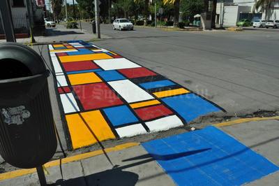 """En total fueron seis cruces los que se """"decoraron"""" con esta iniciativa."""