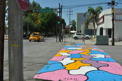 """Los organismos de Distrito Colón, Moreleando y el Colegio de Arquitectos se unieron para estampar su """"Caminarte""""."""