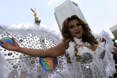 El Ángel de la Independencia fue testigo de esta marcha a favor del respeto a la diversidad sexual.