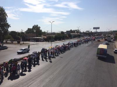 Los docentes partieron de Gómez Palacio a Torreón.