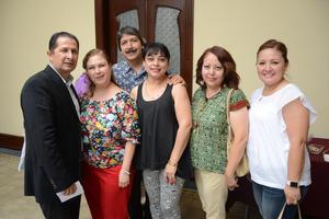24062016 EN UN CONCIERTO.  Roberto, Cony, Miguel, Malena, Armida y July.