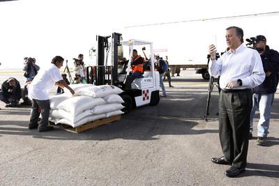 Con esta medida se busca beneficiar a 300 mil personas, informó el secretario de Desarrollo Social, José Antonio Meade Kuribreña.