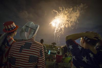 Los estadounidenses se sorprenden con la vista de los fuegos artificiales.