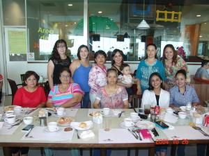 05072016 Jessy, Martha, Tere, Cynthia, Yolanda, Claudia, Juanita, Ana, Blanca, Jaqui y Monse.