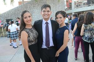 04072016 Andrea, Miguel y Andrea.