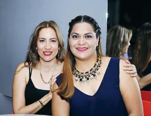 05072016 EN RECIENTE FESTEJO.  Angie y Mónica.