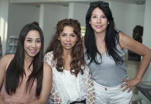 Alejandra, María Rosa y Sara.jpg