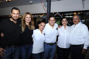 Alfredo, Denisse, Julieta, Gustavo, Carmen y Alfredo