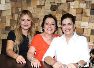 Denisse, María y Carmen