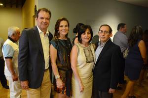 08072016 Mauricio, Angélica, Hilda y Carlos.