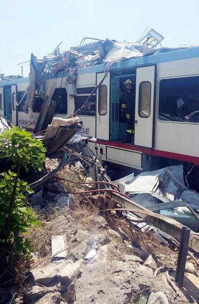 Se llegó a hablar de al menos veinte personas fallecidas.