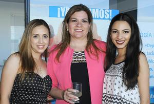 10072016 Elizabeth Ramírez, Sandra Montemayor y Kim Nájera.