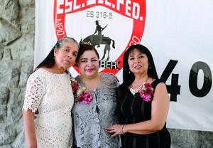 10072016 CONTENTAS.  María Jesús Luna, Blanca Patricia Medina y Lourdes Díaz.