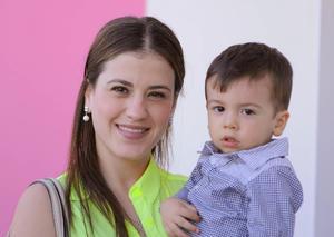 12072016 Lorena Llama y Federico Perabeles.