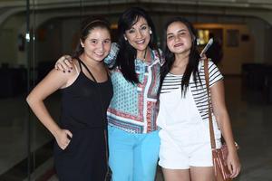 13072016 Luly de Campos, Pamela Sánchez y Dany Campos.