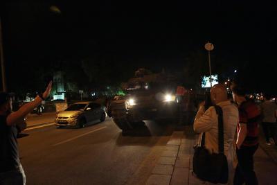 Fuertes protestas se han registrado tras la promoción golpista.
