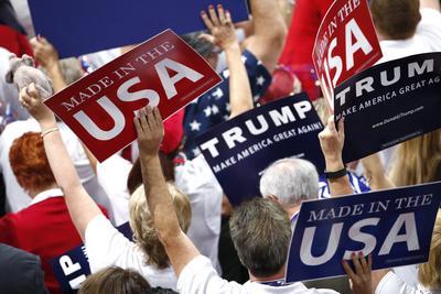 Delegados de Nueva York aseguran su voto oficial por Donald Trump en el proceso de nominación en el segundo día de la Convención Nacional Republicana.