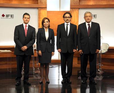 Peña en el debate presidencial de 2012 junto a Joséfina Vázquez Mota (PAN), Gabriel Quadri (PANAL) y Andrés Manuel López Obrador (PRD).