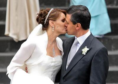 Enrique Peña Nieto y Angélica Rivera se casaron en una ceremonia religiosa en la catedral de la ciudad de Toluca en 2012.