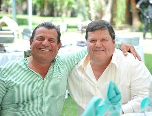 Miguel y Carlos Dávila.jpg