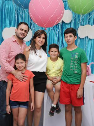 Eduardo, Laura, Pablo, Fernando y Ana Laura.jpg