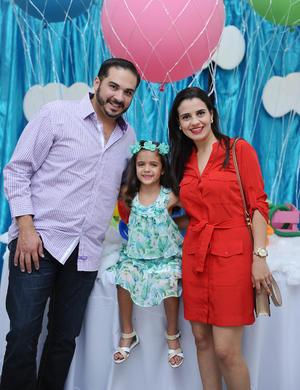 Renata, Margarita y Juan Carlos.jpg