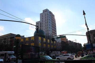 Fotografía del 15 de julio de 2016 de una calle del histórico barrio de Harlem al norte de Manhattan, Nueva York.
