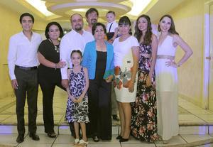 24072016 FELIZ CUMPLEAñOS.  Raquel Santibáñez acompañada de sus hijos y familiares.