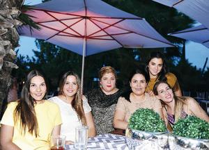24072016 DISFRUTAN CELEBRACIÓN.  Caro, Susana, Angie, Silvia, Dani y Ana María.