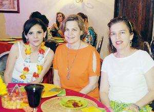 24072016 EN FESTEJO.  Marcela, Susana y Laura.