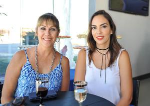 24072016 Priscila y María Eugenia.