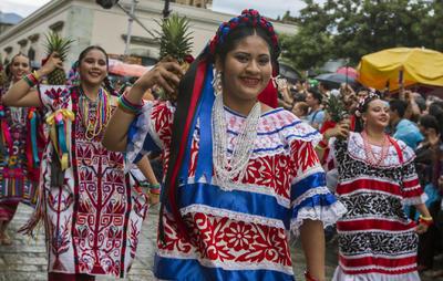 La Guelaguetza es conocida como la máxima fiesta de los oaxaqueños.