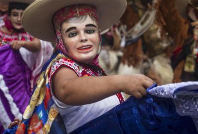 Las máscaras también forman parte importante de la tradición.