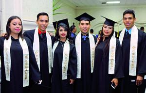 26072016 MUY CONTENTOS.  Karen, Víctor, Karla, José, Alejandra y Luis.