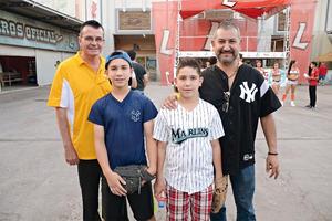 25072016 EN EL BEIS.  Humberto, Jesús, Alejandro y Pepe.