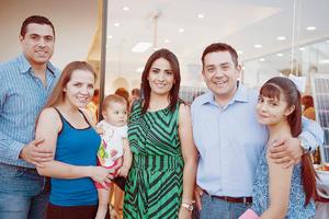 26072016 EN INAUGURACIóN.  Hugo, Paulina, Regina, Marcela, Luis y Renata.