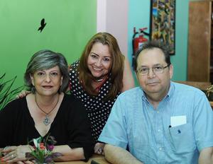 25072016 CONVIVEN.  Patricia, Rosy y Arturo.