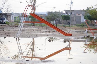 El Observatorio Meteorológico de Torreón registró una precipitación de 11 milímetros, mientras que la estación meteorológica de Protección Civil en Gómez Palacio registró 19 mm.