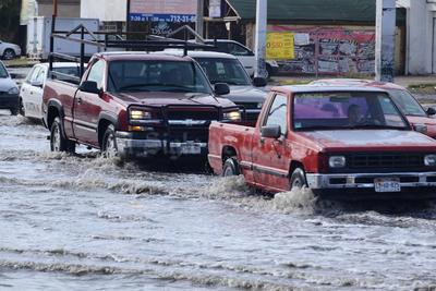 Una fuerte lluvia sorprendió a los laguneros.