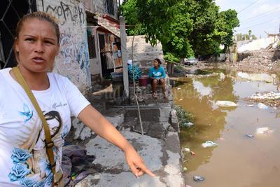 Vecinos de la colonia Torreón y Anexas volvieron a sufrir a causa de las lluvias.
