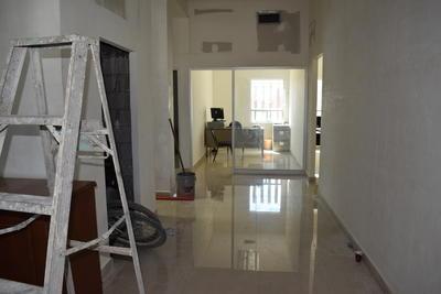 El agua se metió a oficinas en Gómez Palacio.