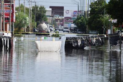 Los vecinos de la calzada División del Norte sufrieron con las inundaciones.
