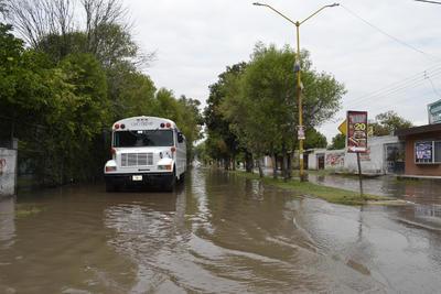 En esta ocasión, la zona urbana de Lerdo fue la más afectada con las precipitaciones al acumularse el agua.