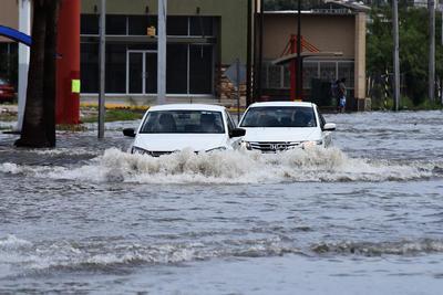 Autoridades del Sistema Municipal de Aguas y Saneamiento (Simas) y Protección Civil informaron que en el lapso de poco más de una hora se registraron 98.4 milímetros de precipitación pluvial.