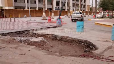 En el centro de Torreón se registraron hundimientos.