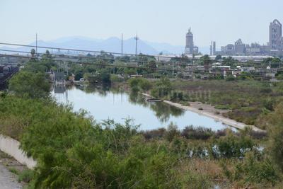 Laguna de regulación en la colonia Santiago Ramírez.