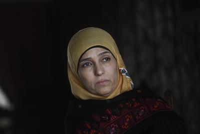 """Fotografía de la profesora palestina, Hanan Al Hroub, ganadora del """"Premio Mundial a la Docencia"""" durante una entrevista con Efe en Santiago de Chile."""