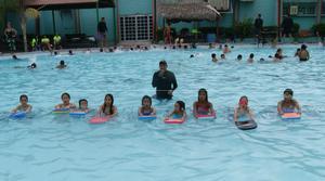 28072016 En la clase de natación.