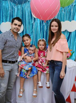 30072016 EN FAMILIA.  Gerardo, Sara, Isabella, Elizabeth y Marijose.